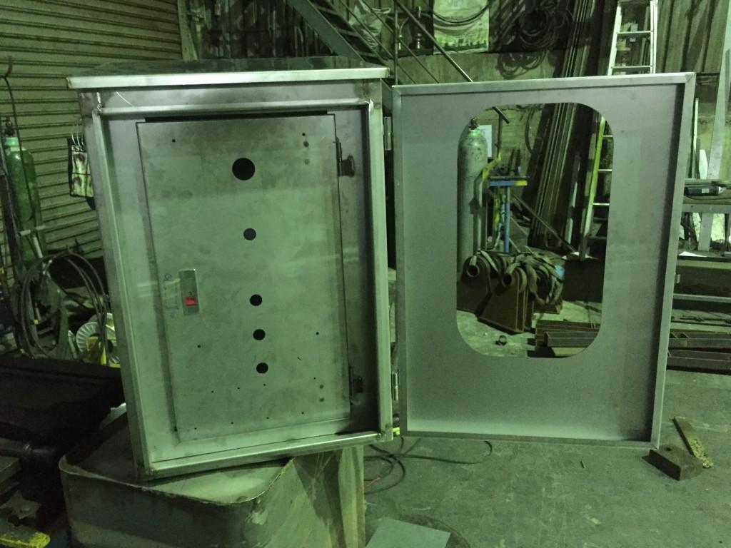電控箱 (1)